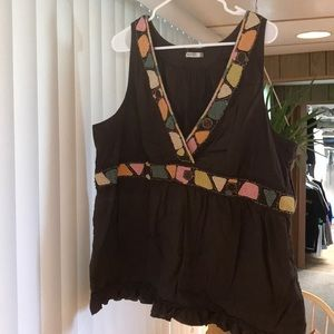 Tribal v neck blouse/tank xxl